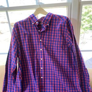Vineyard vines check button down